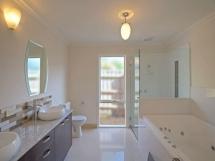 cedar-bathroom